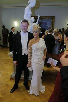 Laura Voutilainen ja Juha Heikkilä Itsenäisyyspäivän juhlissa presidentinlinnassa vuonna 2012.