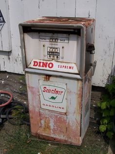 Old Sinclair Gas Pump by The Upstairs Room, via Flickr