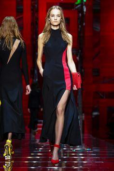 Versace Ready To Wear Fall Winter 2015 Milan - NOWFASHION