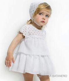 pute white dress :: vestido de encaje y volantes