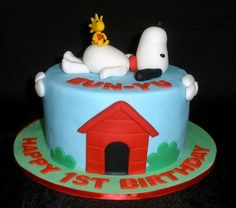 Looove Snoopy and the Peanuts gang This Snoopy Birthday Cake was
