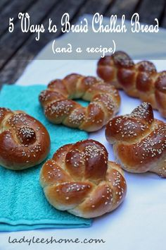 Here are 5 simple ways to braid challah bread and a challah bread recipe. All braids using one or two strands (no crazy six strand braiding). Healthy Recipes On A Budget, Cooking Recipes, Healthy Food, Healthy Eating, How To Make Bread, Food To Make, Challa Bread, Jewish Bread, Jewish Food