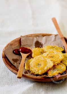 Tostones - Recipe & Video (Dominican Twice-Fried Plantains): without doubt, one of our favorite side dishes. With a very crispy texture, is vastly prefered to French fries.