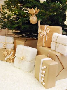 Weihnachten im Pelz: die Geschenke - Deco par Fête / Parties Decor - Christmas Gift Wrapping, Christmas Presents, Holiday Gifts, Noel Christmas, Winter Christmas, Xmas, Navidad Diy, Present Wrapping, Jingle All The Way