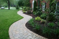 Curvy paver walkway outlines landscaping - All For Garden Front Yard Decor, Front Yard Landscaping, Paver Walkway, Walkways, Interlocking Pavers, Driveway Entrance, House Front, Outlines, Sidewalk