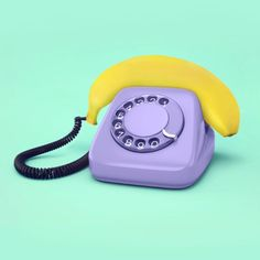 Mexican visual artist Paul Fuentes makes modern Pop Art by creating mashups of everyday objects with a very colorful and quirky aesthetic. Paul Fuentes, Performance Artistique, 3d Design, Graphic Design, Banana Art, Poesia Visual, Modern Pop Art, Photocollage, Everyday Objects