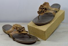6208f5ddbe5 Clarks Bendables Suede Ruffle Sandals Women s Size 5 M