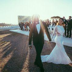 Kim Kardashian West and Kanye West's wedding album - Kim Kardashian West and Kanye West's wedding album – Vogue Australia - Kim Kanye Wedding, Kim Kardashian Wedding Dress, Wedding Goals, Wedding Beauty, Dream Wedding, Kim Kardashian Kanye West, Kim And Kanye, Kardashian Style, Jenner Family