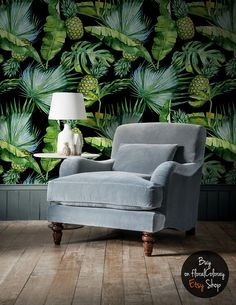 Dark&green nature decor idea, rmeovable wallpaper design, good-looking in every kind of interior Pineapple Wallpaper, Removable Wall Murals, Tropical Decor, Tropical Furniture, Tropical Colors, Flower Wall Decor, Flower Mural, Nature Decor, Tropical Leaves