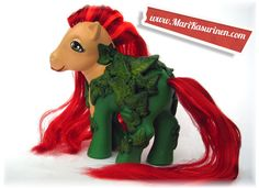 cracking up over these modern day mylittleponies.  i always did love poison ivy!