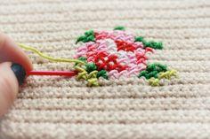 embroidery cross stitch on crochet ♡ Teresa Restegui http://www.pinterest.com/teretegui/ ♡