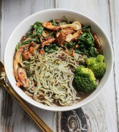 Vegan Mushroom Ramen Soup // apolloandluna.com