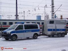 Zugfahrzeug Reiterstaffel VW T5 (BS-P3042) - Zugfahrzeug Reiterstaffel VW T5 (BS-P3042) - Blaulichtfahrzeuge.net