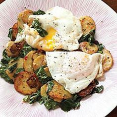 Potatoes with Dandelion Greens and Fried Eggs. I will be making minus the anchovies Fodmap, Egg Recipes, Cooking Recipes, Dandelion Recipes, Vegetarian Recipes, Healthy Recipes, Good Food, Yummy Food, Fried Eggs