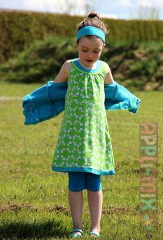 Crochet Patterns For Kids In keeping with the Freebook from last year, there is now for all and FOR FREE . Sewing Patterns For Kids, Sewing Projects For Kids, Sewing For Kids, Baby Sewing, Baby Patterns, Dress Patterns, Crochet Patterns, Tshirt Dress Pattern, Fashion Sewing