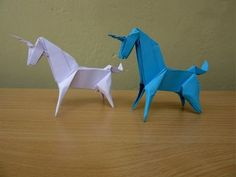 How to Make a Paper Unicorn . How to Make an Origami Unicorn . This is a cute little origami unicorn that can be easily made in a few minutes. Paper Crafts Origami, Paper Crafts For Kids, Origami Art, Book Crafts, Origami Design, Origami Unicorn Easy, Unicorn Room Decor, Unicorn Bedroom, Unicorn Ornaments