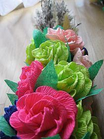 Palmy Wielkanocne na Stylowi.pl Polish Folk Art, Crepe Paper Flowers, Easter, Rose, Children, Crafts, Diy, Paper, Palmas