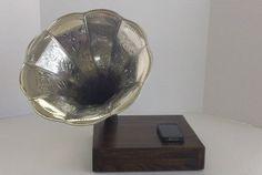 android acoustic speaker dock in dark walnut stain w/ silver horn