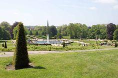 Blick von Schloss Sanssouci auf den Park und auf Potsdam