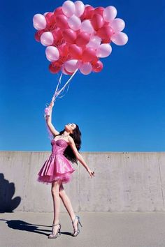 You are my inspiration! Rising like a pink balloon or should I say rising like pink balloons! Photography Poses Women, Creative Photography, Portrait Photography, Birthday Girl Pictures, Birthday Photos, Picture Poses, Photo Poses, Foto Cowgirl, Birthday Party Photography