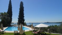 Hotelpool am Gardasee.