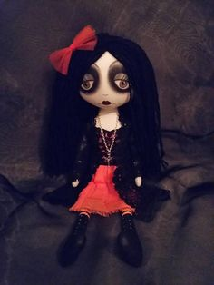 Gothic Halloween Cloth Art Doll  Karlie Gothic Halloween, Gothic Dolls, Gothic Art, Evie, Art Dolls, Projects To Try, Alternative, Trending Outfits, Toys