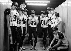 EXO vừa hé lộ loạt ảnh quảng bá cho album mới của từng thành viên.
