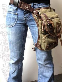 Moose - Motorcycle Bag-Hiking Bag-Hip Bag-Messenger Bag-Thigh Bag-Holster Bag *likely my new twin-friendly purse: double hand-to-sholder freedom. Sacoche Holster, Canvas Leather, Leather Bag, Thigh Bag, Moda Punk, Hip Purse, Leather Projects, Leather Working, Backpack Bags