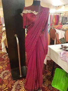Pin by on design in 2019 Designer Lehnga Choli, Sari Design, Saree Gown, Drape Gowns, Modern Saree, Saree Blouse Designs, Dress Designs, Stylish Sarees, Fancy Sarees