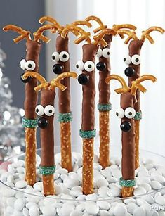 Reindeer Pretzel Rods DIY - You know Dasher and Dancer, and Prancer and Vixen! Bring them to life for your Christmas sweet table on pretzel rods dipped in Candy Melts® Candy and decorated with Candy Eyeballs and Sixlets Christmas Sweet Table, Christmas Party Food, Xmas Food, Christmas Appetizers, Christmas Sweets, Christmas Cooking, Christmas Goodies, Christmas Candy, Christmas Holidays