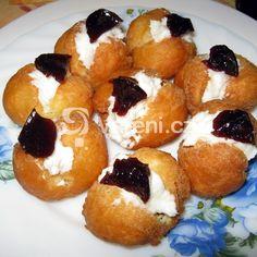 Třešňová marmeláda s čokoládou recept - Vareni.cz Doughnut, Sushi, Muffin, Food And Drink, Breakfast, Ethnic Recipes, Desserts, Morning Coffee, Muffins