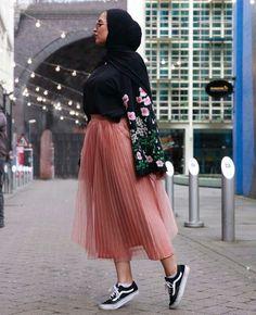 ideas for skirt outfits hijab chic ideas for skirt outfits hijab chic – Hijab Fashion 2020 Hijab Chic, Casual Hijab Outfit, Hijab Dress, Casual Outfits, Hijab Mode, Mode Abaya, Muslim Fashion, Modest Fashion, Trendy Fashion