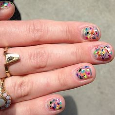 Hillery Sproatt. #abstract #nailart