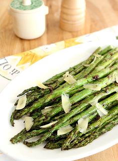 Grilled Asparagus with Garlic and Parmesan from Creative-Culinary.com