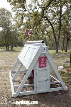 Southern Revivals: Barbie Dream House Chicken Coop - a must have for whenever we buy land! A Frame Chicken Coop, Easy Chicken Coop, Chicken Coup, Chicken Coop Plans, Building A Chicken Coop, Chicken Tractors, Barbie Dream House, Diy Furniture, Furniture Plans