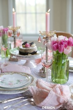 How to Use Mason Jar Centerpieces to Add Color to Your Table Settings