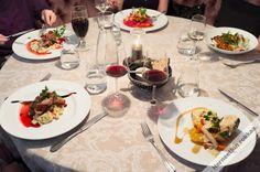 Ravintola Taivaanrannan vuodenaikojen mukaan vaihtuvat kausimenut on koottu huolella kulloisenkin sesongin parhaista raaka-aineista. Taivaanrannan herkulliset menut löytyvät osoitteesta http://www.taivaanranta.com/