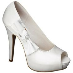Who knew target had such cute shoes! For the wedding maybe? Comes in white red and black