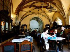 CAFE SANTA CRUZ,Coimbra Portugal