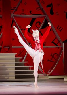 Edward Watson as the White Rabbit in The Royal Ballet production of Alice's Adventures in Wonderland Alice In Wonderland Ballet, Wonderland London, Alice In Wonderland Costume, Ballet Russe, La Bayadere, Ballet Images, Markova, Ballet Photography, Royal Ballet