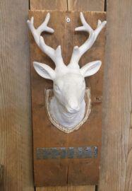 Ornament op steigerhout