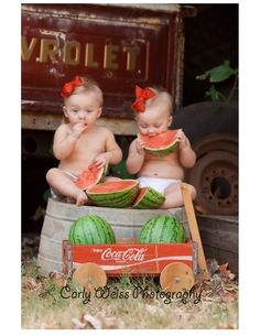 Watermelons...first birthday pic :) Twins 1st Birthdays, First Birthday Photos, Baby Pictures, Baby Photos, Girl Photos, Toddler Photography, Summer Photography, Photography Ideas, Photo Sessions