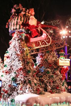 Disneyland Dec 2012 - A Christmas Fantasy Parade | Flickr - Photo Sharing!