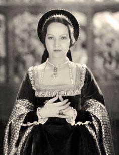Merle Oberon as Anne Boleyn in The Private Life of Henry the VIII in Her first featured role. Merle Oberon, Jean Harlow, Rita Hayworth, Anne Boleyn Death, Classic Hollywood, Old Hollywood, Marilyn Monroe, Best Period Dramas, Tudor Fashion
