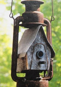 Awesome Bird House Ideas For Your Garden 119 image is part of 130 Awesome Bird House Ideas for Your Backyard Decorations gallery, you can read and see another amazing image 130 Awesome Bird House Ideas for Your Backyard Decorations on website Best Bird Feeders, Bird House Feeder, Rustic Bird Feeders, Beautiful Birds, Beautiful Gardens, Bird Houses Diy, Decorative Bird Houses, Homemade Bird Houses, Bird Boxes