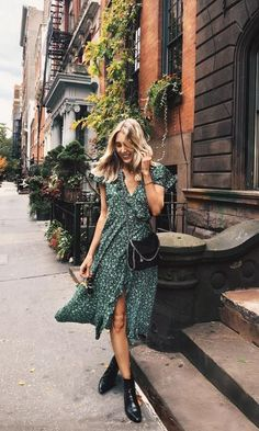 Sometimes you find a perfect dress Fashion Moda, Look Fashion, Fashion Outfits, Fashion Women, Fashion Tips, Plus Size Sommer, Spring Summer Fashion, Spring Outfits, White Beaded Dress