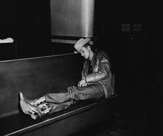 Arthur Fellig aka Weegee, New York press photographer turned street photographer, & Weegee Photography, Robert Frank Photography, History Of Photography, Street Photography, Modern Photography, Narrative Photography, Grosse Fatigue, Urban Cowboy, Famous Photographers