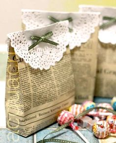 create gift bags with your old newspapers