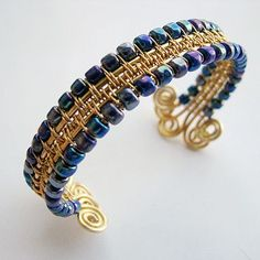 Woven Wire Bangle Tutorial | JewelryLessons.com