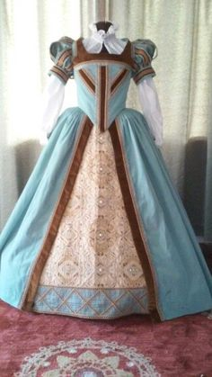 lovely sky blue and bronze tudor gown Renaissance Fair Costume, Renaissance Costume, Renaissance Dresses, Renaissance Fashion, Medieval Dress, Medieval Clothing, Tudor Costumes, Period Costumes, Historical Costume